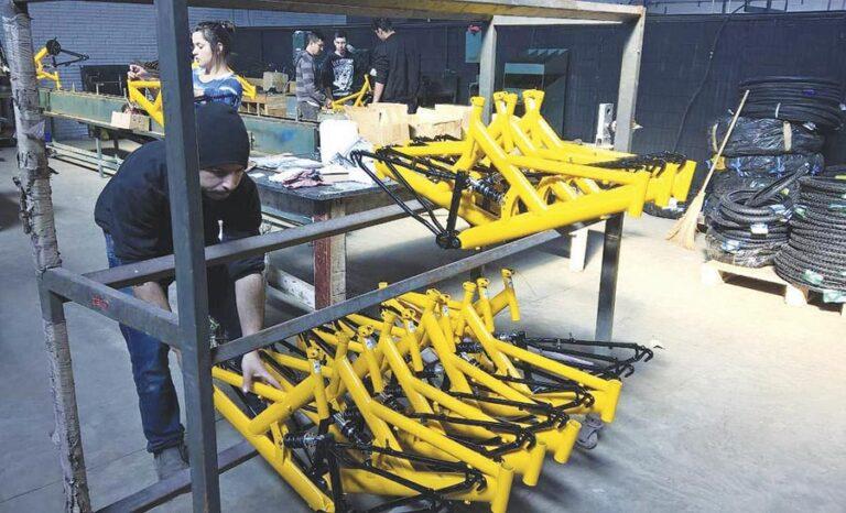 Falta de peças afeta a produção de bicicletas no Brasil