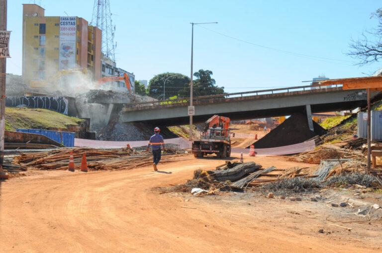Demolição do Viaduto da Samdu é mais uma etapa das obras do Túnel