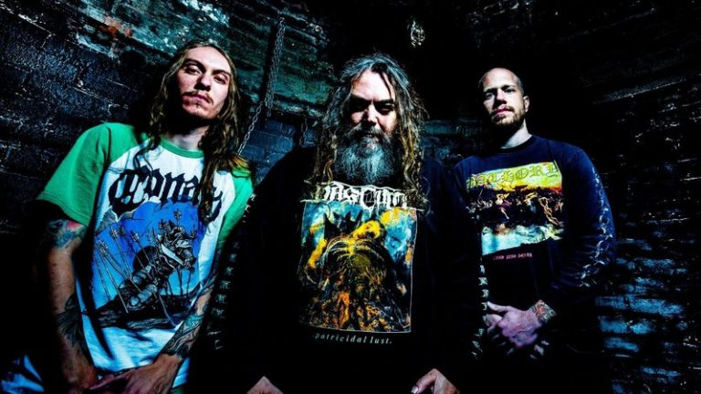 Tal pai, tal filho: Max Cavalera prova que metal está no sangue da família em nova banda com caçula Igor