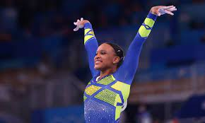 É histórico! Rebeca Andrade fica com a prata na ginástica olímpica